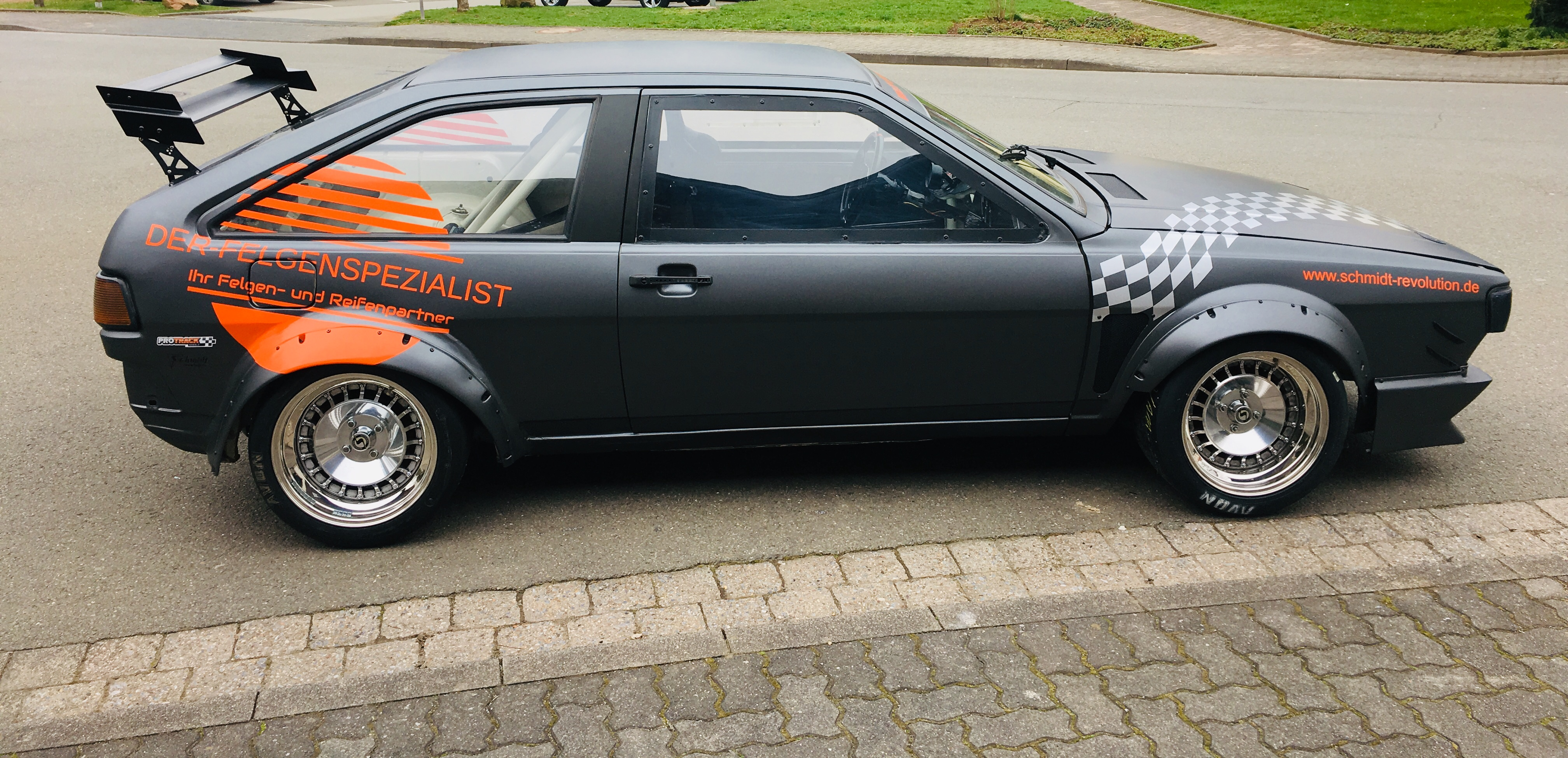 Racing-car mit TH-Line in 15 Zoll